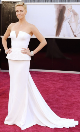 Charlize-Theron-in-Dior-Couture-at-2013-Oscars