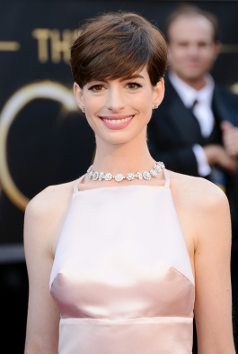 Anne-Hathaway-Pixie-Oscars
