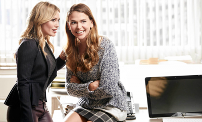 Achieve-A-Younger-Look-Sutton-Foster-Hillary-Duff