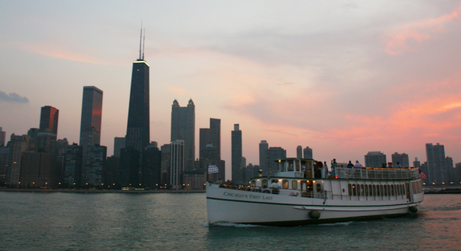 Chicago-visit-vacation-shop-Cruise-River-Architecture-First-Lady