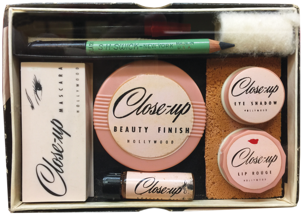 Vintage makeup kit from Close-up.