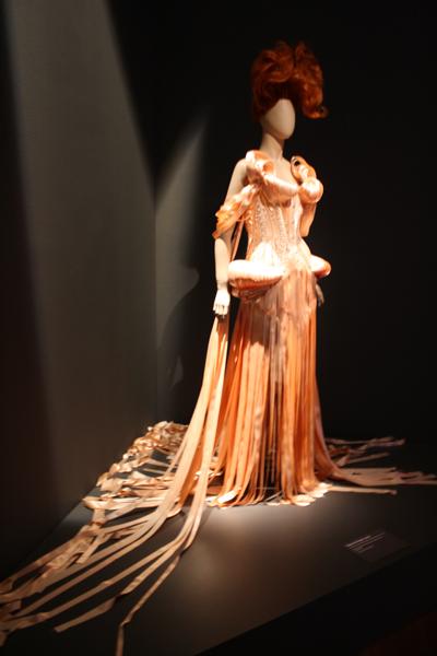 Saut de l'Ange Black Swan Collection Haute Couture Fall/Winter 2011-2012.