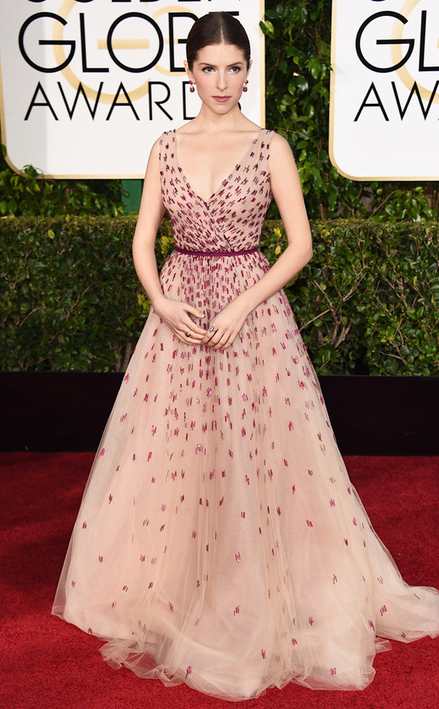 Golden Globes Red Carpet Anna Kendrick Monique Lhuillier