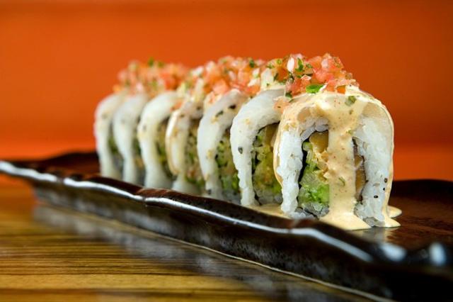 Nicole-Royse-Style-Stingray-Sushi-Ahwatukee