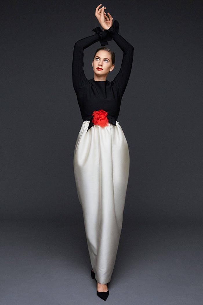 Photographed by Michael Avedon for Harper's Bazaar magazine.