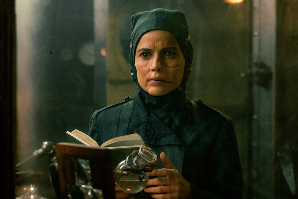 Mad scientist Dr. Maru (Elena Anaya) concocting a deadly recipe.